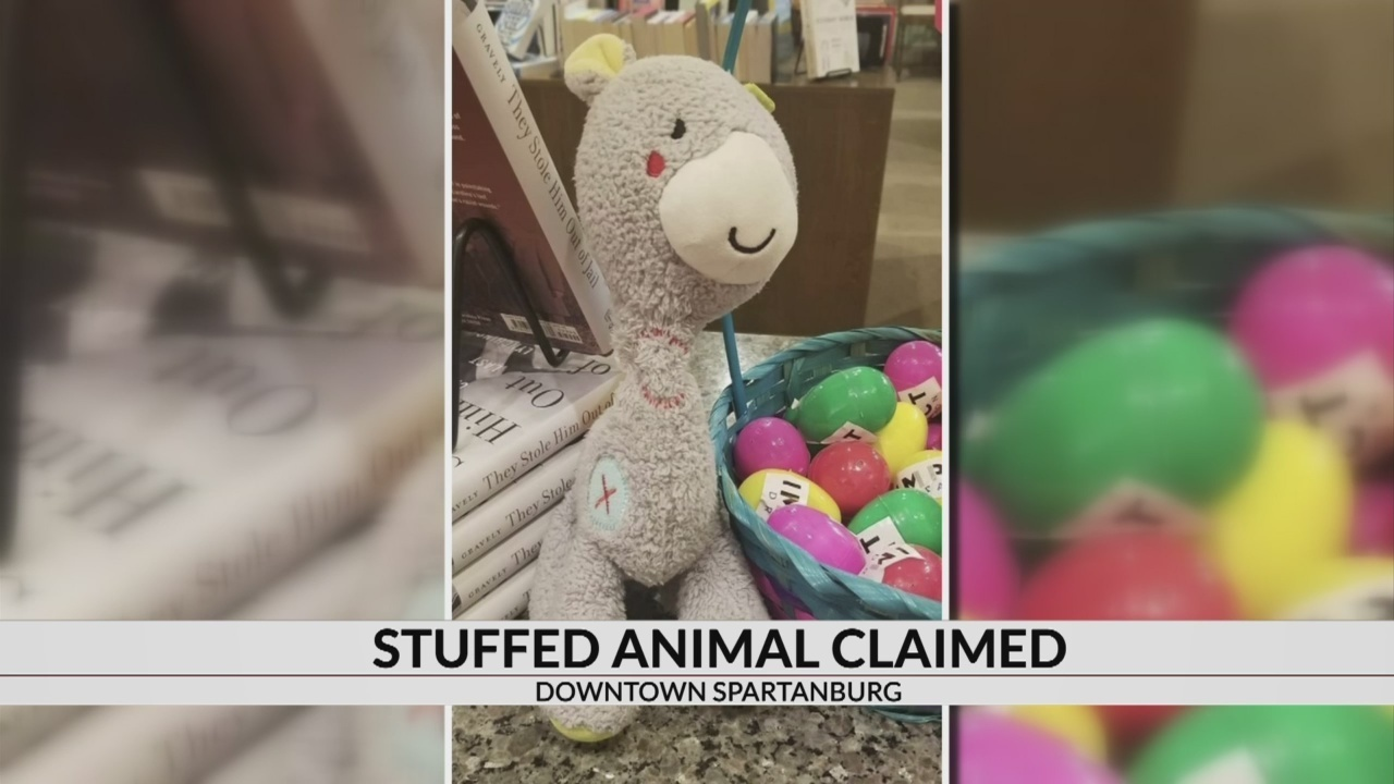 Spartanburg bookstore reunites child with stuffed animal