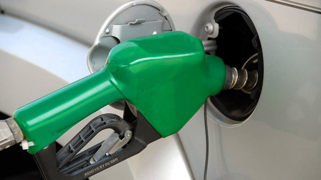 Average price of US gas jumps 9 cents, to $2.83 a gallon