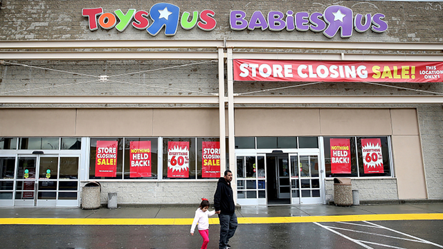 Bed Bath & Beyond will buy your Toys R Us gift cards