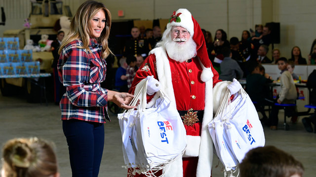 Melania Trump gives gifts at Marine Corps Reserve toy drive
